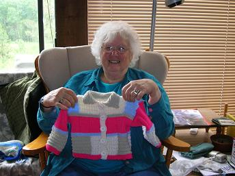maxine-knitting